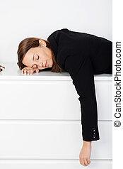 女性実業家, 睡眠, オフィス, ベンチ