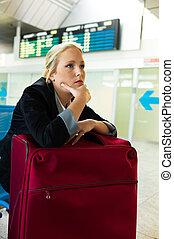 女性実業家, 空港, 待つこと