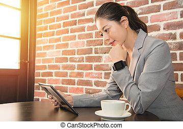 女性実業家, 腕時計, 仕事, 痛みなさい