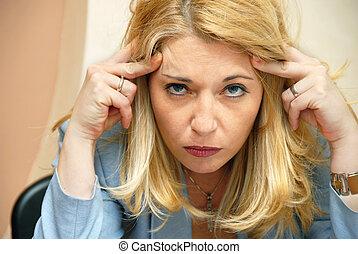 女性実業家, 頭痛