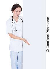 女性的医生, 在后面, 布告