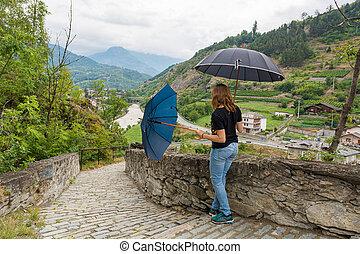 女性, 対, 雨, umbrellas., 使うこと, ダンス, 若い