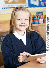 女性, 小学校, 生徒, 使うこと, デジタルタブレット, クラスで