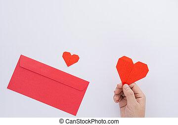女性, 平ら, 手, カード, 挨拶, 上に, concept., 白, ペーパー, バレンタイン, 封筒, 心, 保有物, 形, 日, コピー, 愛, 赤, 光景, space., 上, バックグラウンド。, 位置