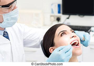 女性, 歯医者の, 待遇