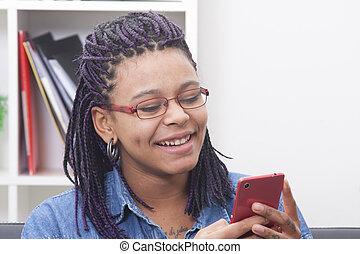 女性, 若い, アフリカの家系, ∥で∥, ∥, 電話, モビール