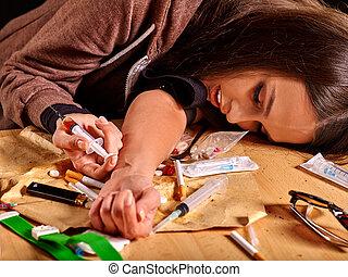 女性, 藥物迷戀者, 由于, 注射器, 在, 手。