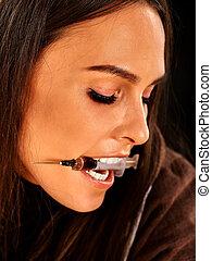女性, 藥物迷戀者, 由于, syringe.