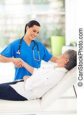女性 醫生, 握手, 由于, 病人