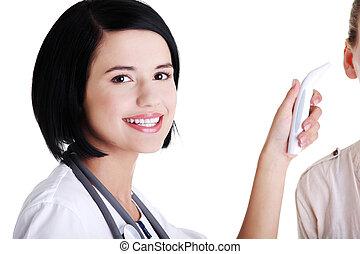 女性 醫生, 檢查溫度, ......的, 她, 病人