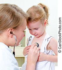 女性 醫生, 檢查, 小女孩, 由于, 聽診器