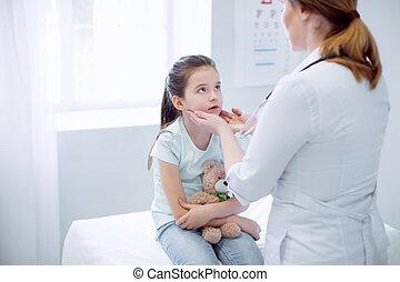 女性 醫生, 檢查, 打翻, 女孩, 扁桃腺