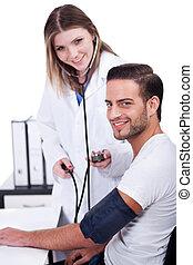 女性 醫生, 檢查, 血壓