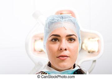女性 醫生