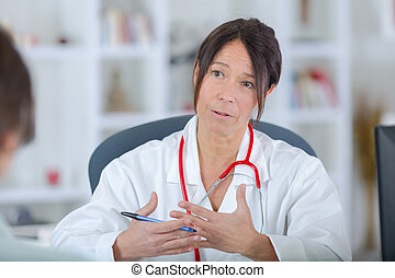 女性 醫生, 由于, 病人, 在, 醫院