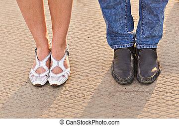 女性, 雄の脚