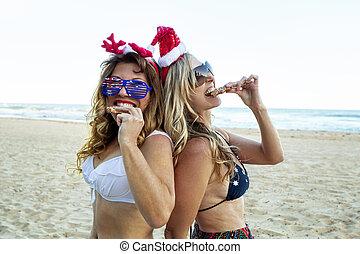 女性, 食物, 2, クリスマス, お祝い, 浜, 食べること