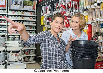女性, 2, hardwarestore
