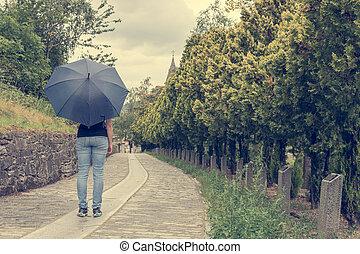 女性, umbrella., 雨, 使うこと, ダンス, 若い