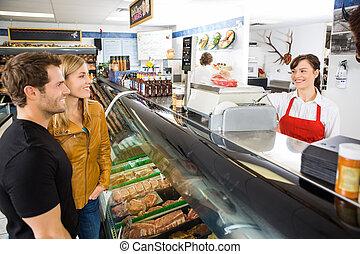 女推銷員, 參加, 顧客, 在, 屠夫的商店