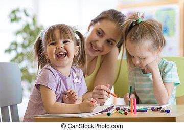 女教師, 工作, 由于, 孩子, 在, 幼儿園, 教室