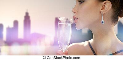 女, ぐっと近づいて, パーティー, 飲むこと, シャンペン