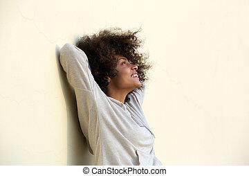 女, のんびりしている, 若い, アメリカ人, アフリカ, 微笑