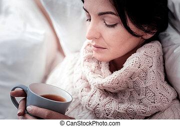 女, カップ, お茶, の上, 思いやりがある, 終わり