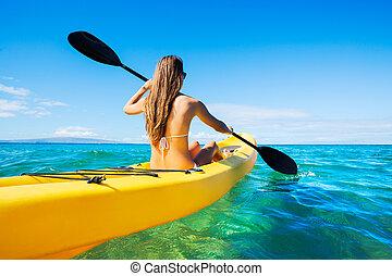 女, カヤックを漕ぐ, 休暇の海洋