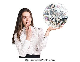 女, コラージュ, 若い, 球, 驚かされる, プレゼント