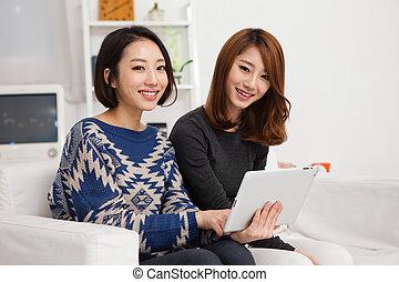 女, タブレット, 若い, 2, pc., アジア人, 使うこと