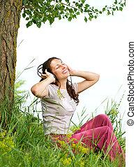 女, ヘッドホン, outdoors., 楽しみなさい, 若い, 音楽, 美しい