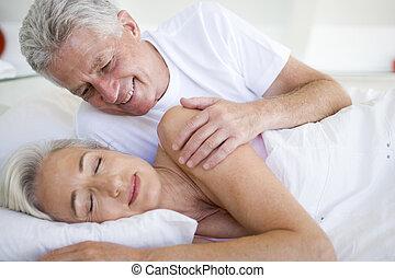 女 ベッド, 睡眠, 目覚めること, あること, 人