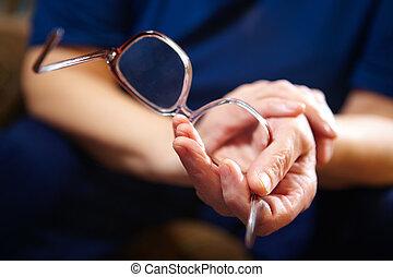 女, メガネ, 古い, 手