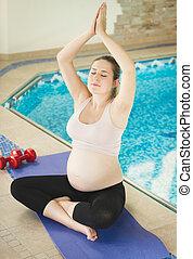 女, ヨガ, 妊娠した, 側, プール, 水泳