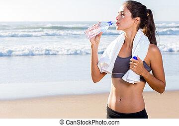 女, 仕事, 後で, 水, 飲むこと, から