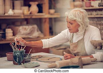 女, 取得, 創造的, ブラシ, 年を取った, すてきである