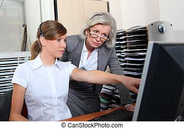 女, 女性実業家, 若い, オフィス, シニア