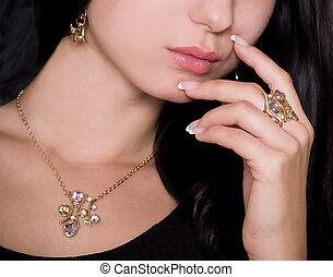 女, 宝石類