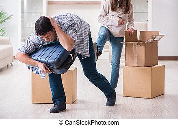 女, 家族, 家, の間, evicting, 対立, 人