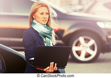 女, 彼女, ビジネス, 自動車, ラップトップ, 若い, 次に, ファッション