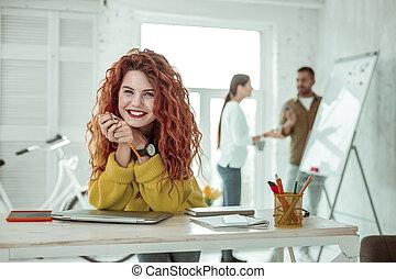 女, 彼女, 仕事, 若い, 喜ばせられた, 楽しむ, 幸せ