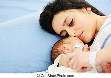 女, 彼女, 病院, 新生, 保有物の赤ん坊