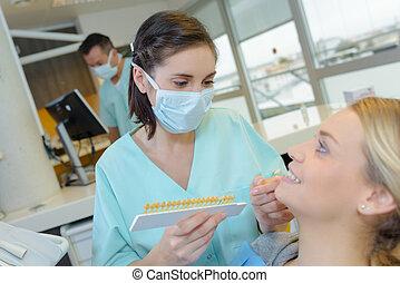 女, 患者, オフィス, 歯医者の, 歯科医, 治すこと