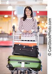 女, 手荷物, 中央の, カート, 空港, 成人, 幸せ