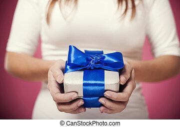 女, 手, 保有物, 贈り物