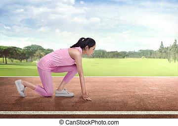 女, 操業, ランナー, 運動選手, アジア人, 準備ができた, ポジション