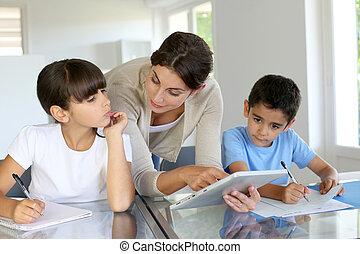 女, 教授, クラス, へ, 学童, ∥で∥, デジタルタブレット
