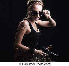 女, 散弾銃, ポーズを取る, セクシー, 軍