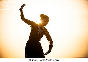 女, 日の出, ダンス